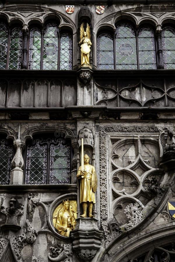 Basiliek van het bloed in de stad van Brugge stock foto's