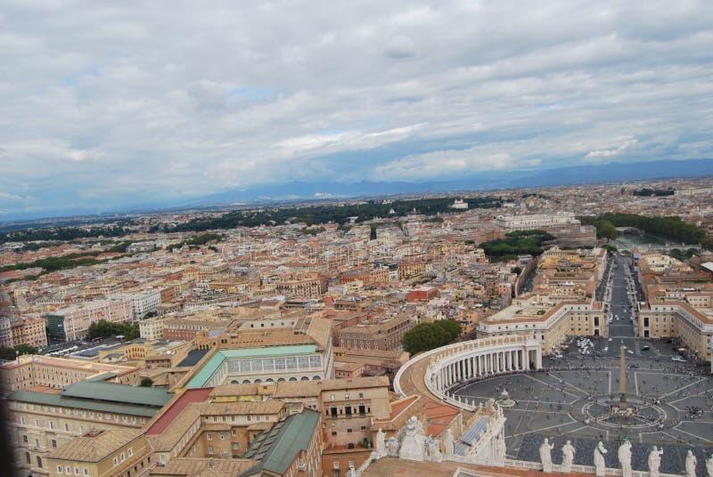 Basiliek van San Pietro in de stad van Vatikaan in Rome stock foto