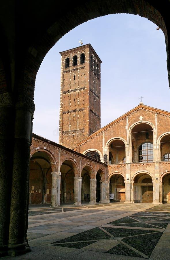 Basiliek van Sant'Ambrogio stock foto's