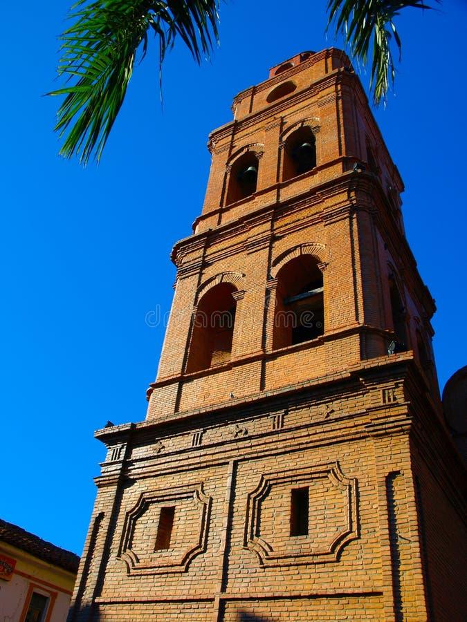 Basiliek van St Lawrence toren in Santa Cruz stock foto