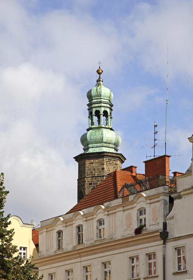 Basilika av helgonErasmus och Pancrazio i Jelenia Gora poland royaltyfria foton