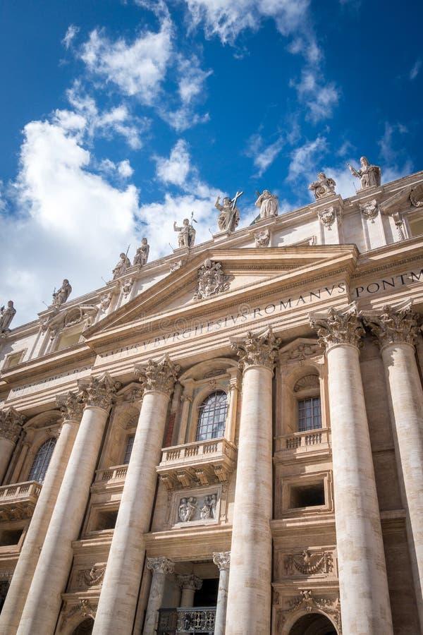 Basilika av helgonet Peter San Pietro i Vaticanen, Rome arkivfoton