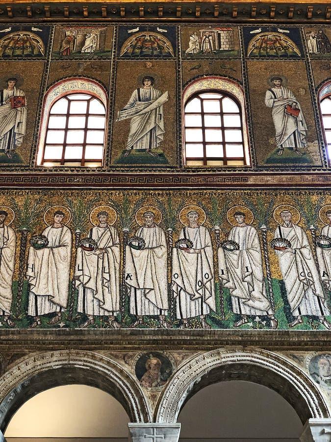 Basilika av Sant'Apollinare Nuovo, Ravenna, Italien mosaik arkivbilder