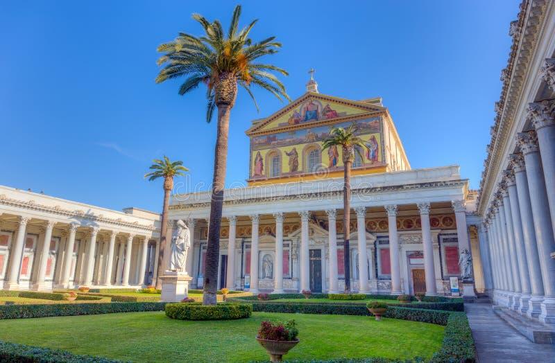 Basilika av St Paul utanför väggarna, Rome, Italien arkivbild
