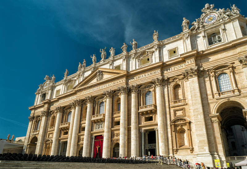 Basilika av St Peter (San Pietro) i Vaticanen, Rome arkivbilder