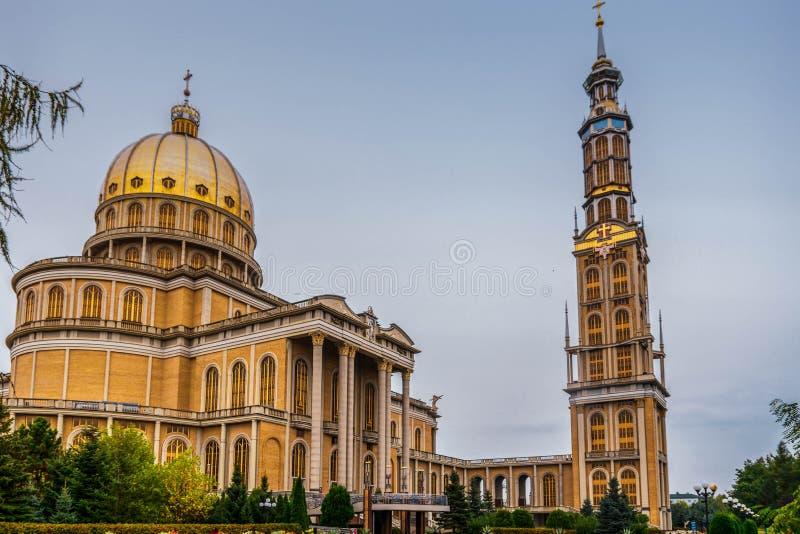 Basilika av vår dam av laven, Polen 2018-09-22, färgrik gammal stad för härlig lav, den största katolska kyrkan i Polen arkivbilder