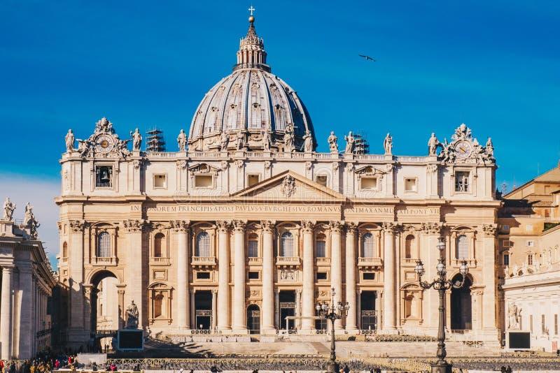 Basilika för St Peter ` s i Vaticanet City i Rome, Italien royaltyfri foto