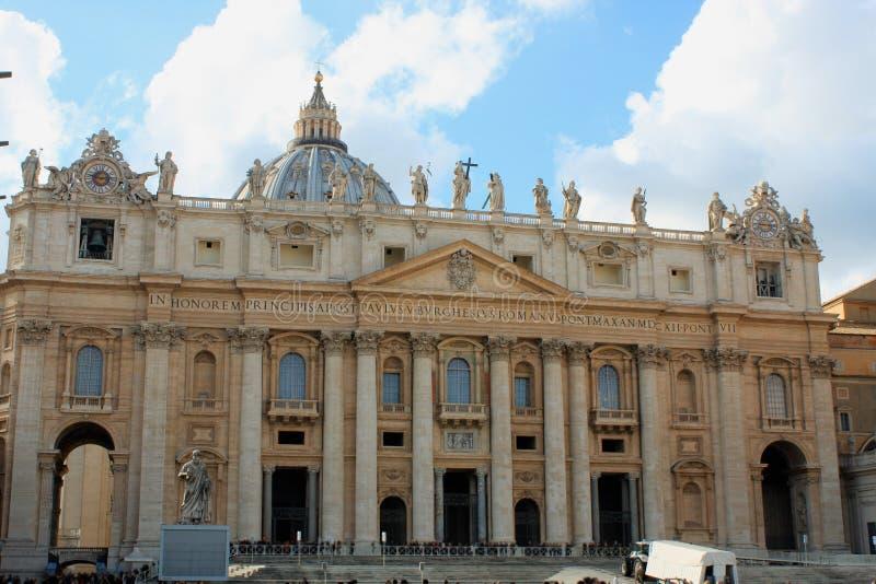 Basilika för St Peter ` s San Pietro i Vatican City i Rome, Ita arkivfoto