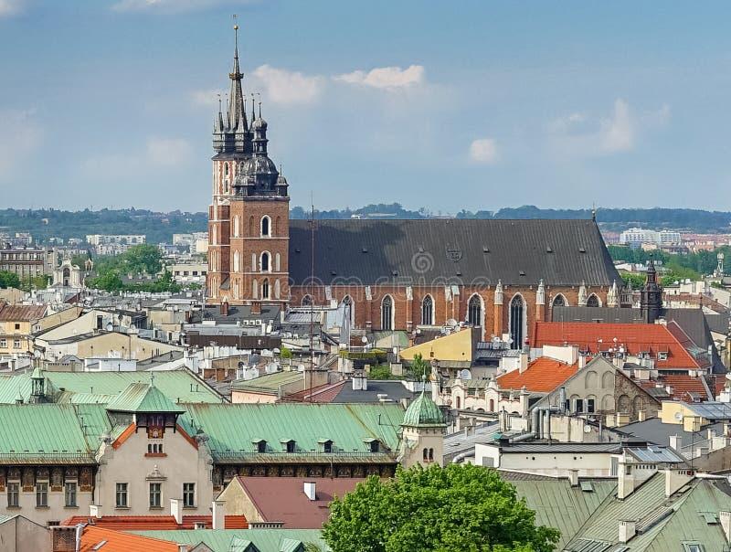 Basilika f?r St Mary ` s i Krakow, Polen royaltyfri foto