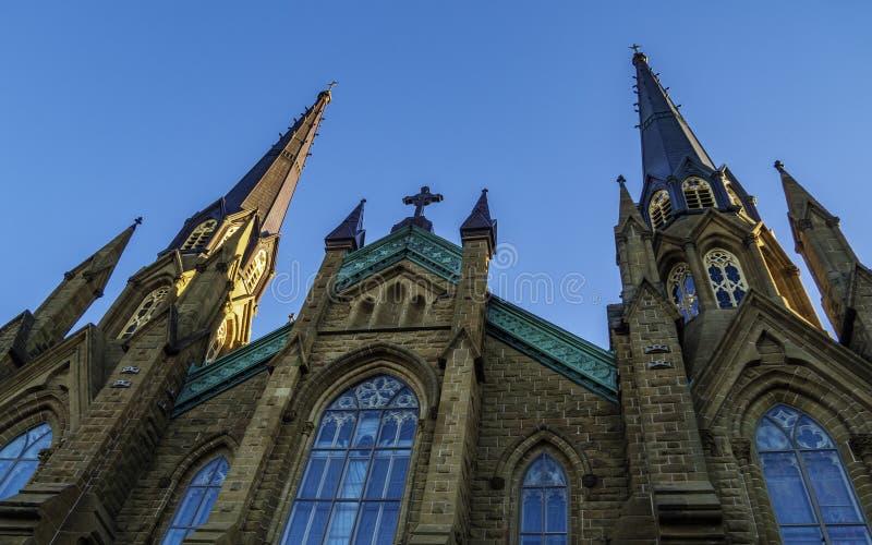 Basilika-Kathedrale St. Dunstans am sonnigen Tag in Charlottetown stockfotos