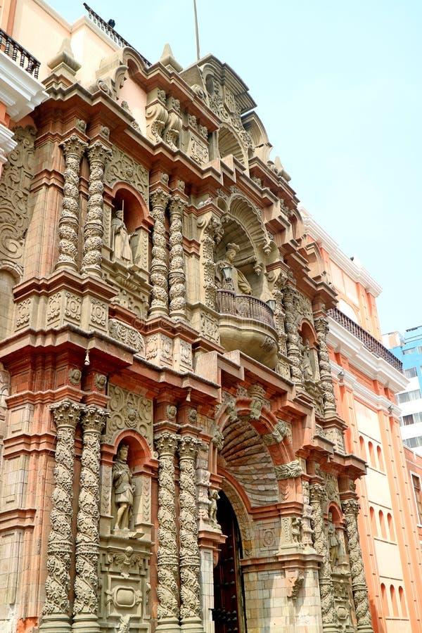 Basilika och kloster av vår dam av förskoning, historisk mitt av Lima, Peru arkivbilder