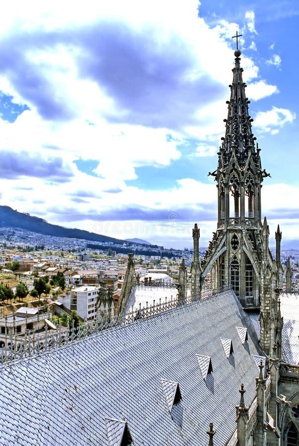 Basilika Quito, Ecuador lizenzfreie stockfotos