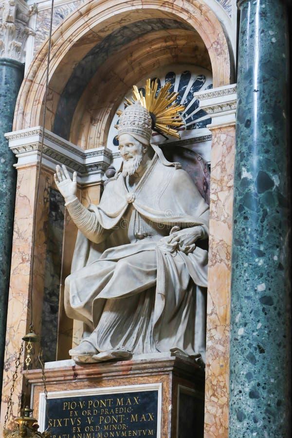 Basilika - Vaticanen, Italien royaltyfri foto