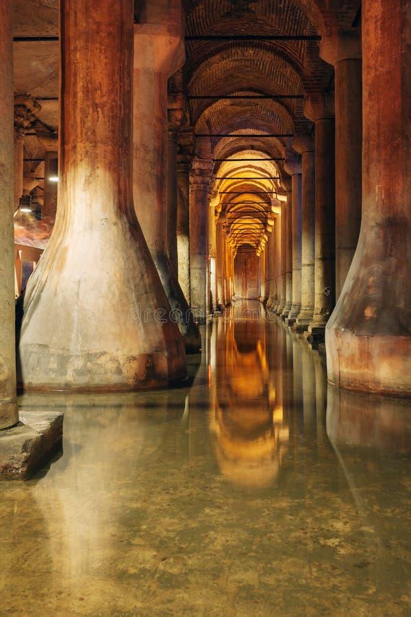 Basilika-Zisterne in Istanbul Basilika-Zisterne eine des larg stockfotografie