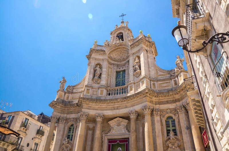 BasilikadellaCollegiata kyrka Santa Maria, Catania, Sicilien, I arkivfoton
