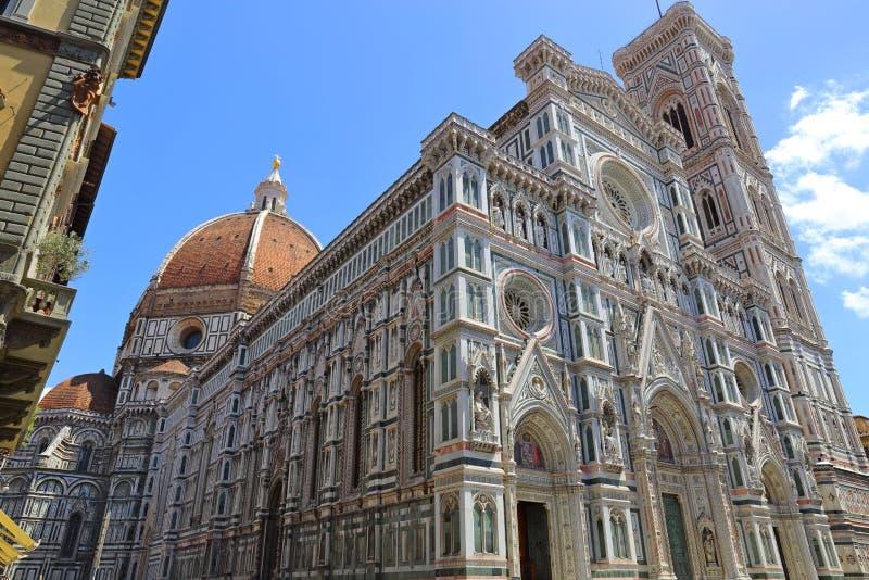 Basilikadi Santa Maria del Fiore eller Duomobasilika av St Mary av blomman royaltyfri fotografi