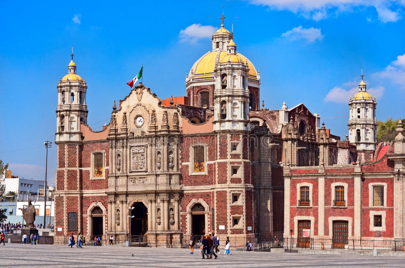 Basilikafyrkant av vår dam av Guadalupe i Mexico - stad fotografering för bildbyråer