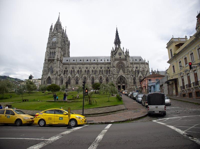 Basilikan av det nationella löftet, Quito arkivbilder