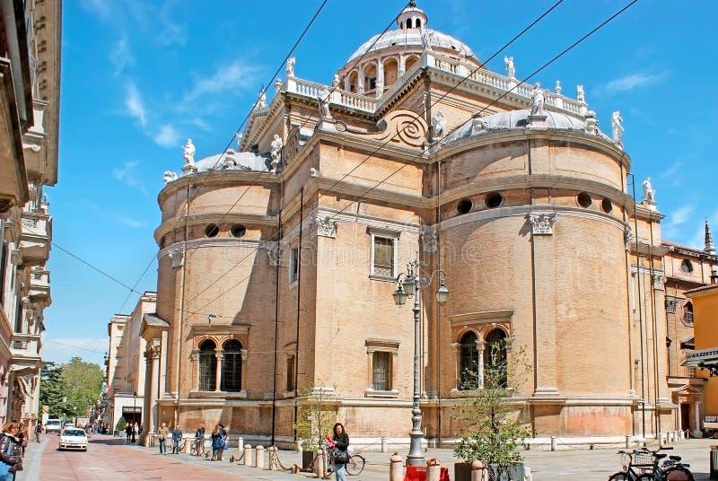 Basilikan av Santa Maria della Steccata i Parma royaltyfri bild