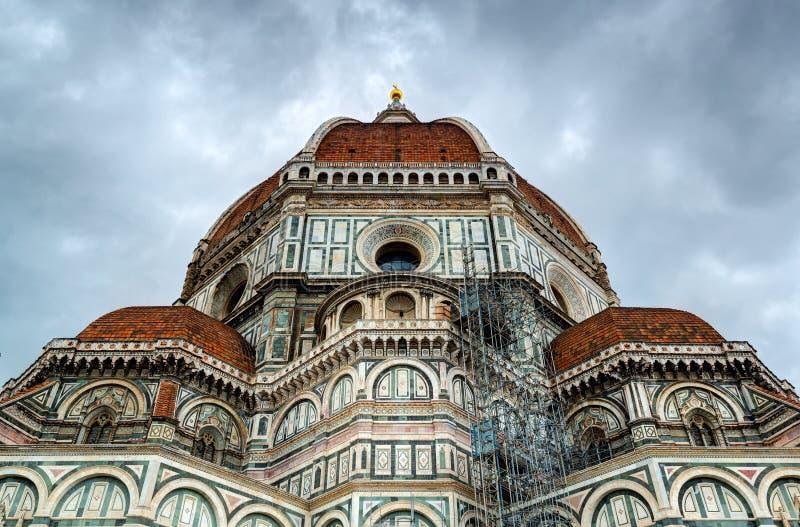 Basilikan av St Mary av blomman i Florence, Italien royaltyfria foton