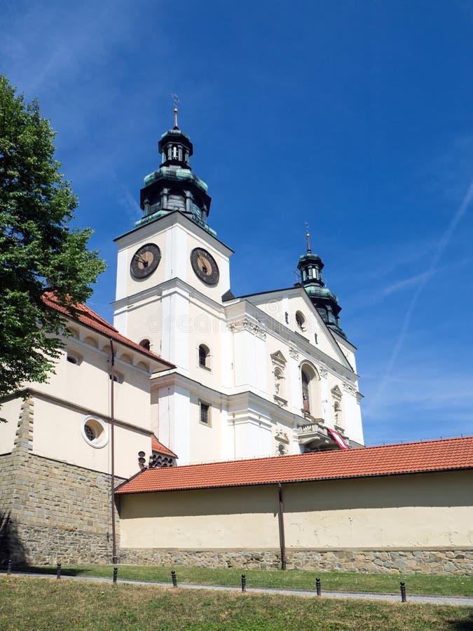 Basilikan av St Mary, Kalwaria Zebrzydowska parkerar, Polen royaltyfria bilder