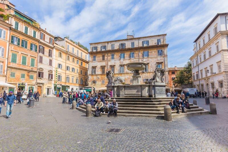 Basilikan av vår dam av Trastevere i Rome, Italien royaltyfri bild
