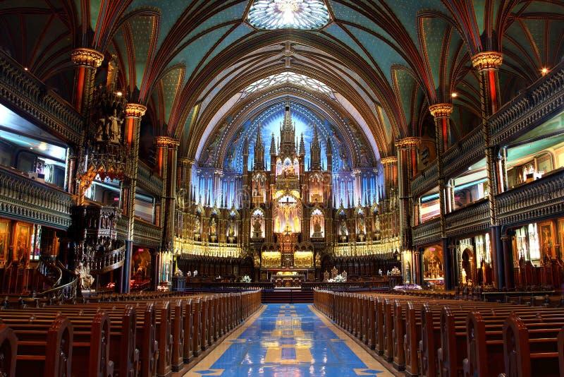 Basilique de Notre-Dame à Montréal image stock