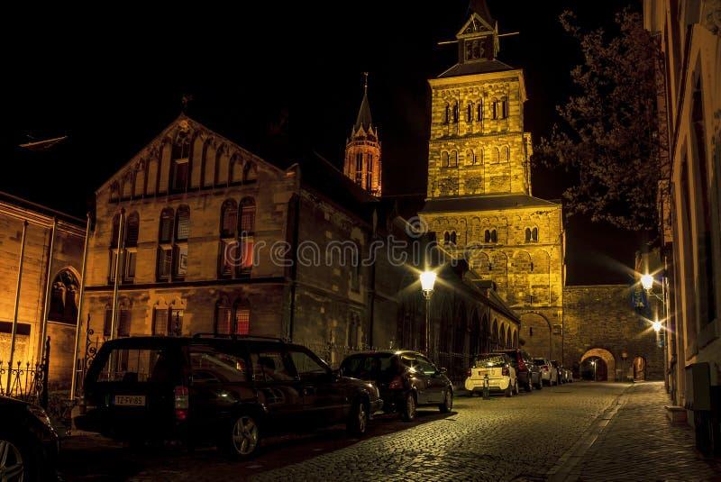 Basilique de saint Servatius la nuit photo libre de droits