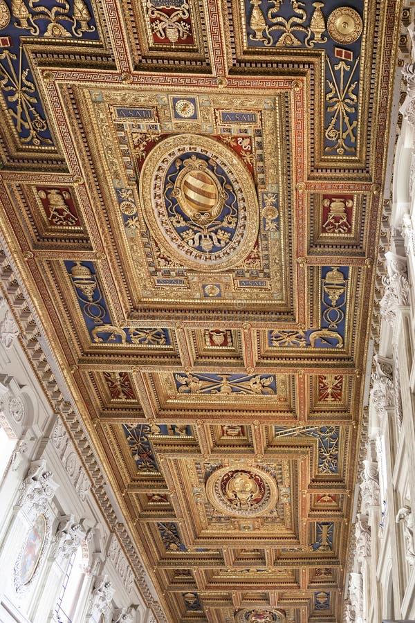 Basilique de St John Lateran Ceiling images stock