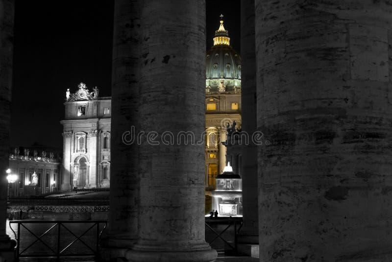 Basilique de St Peter à Rome en noir et blanc et couleur photographie stock