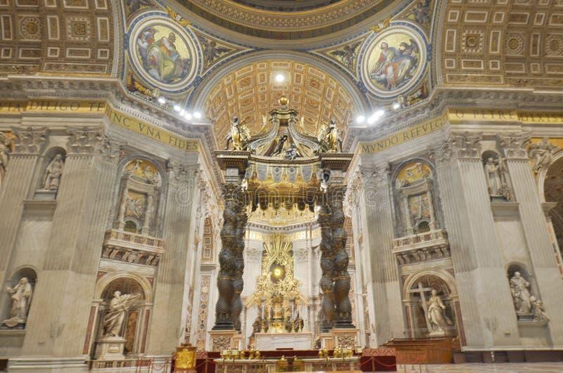 Basilique du ` s de St Peter, lieu de culte, basilique, autel, église photo libre de droits
