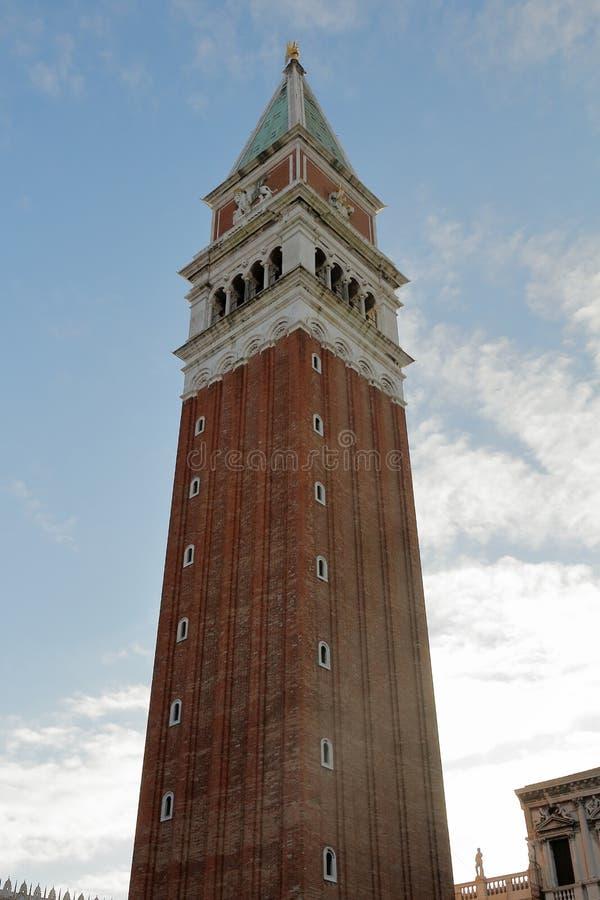 Basilique et Campanile di San Marco sur Piazza San Marco sur la place de St Mark ? Venise images stock