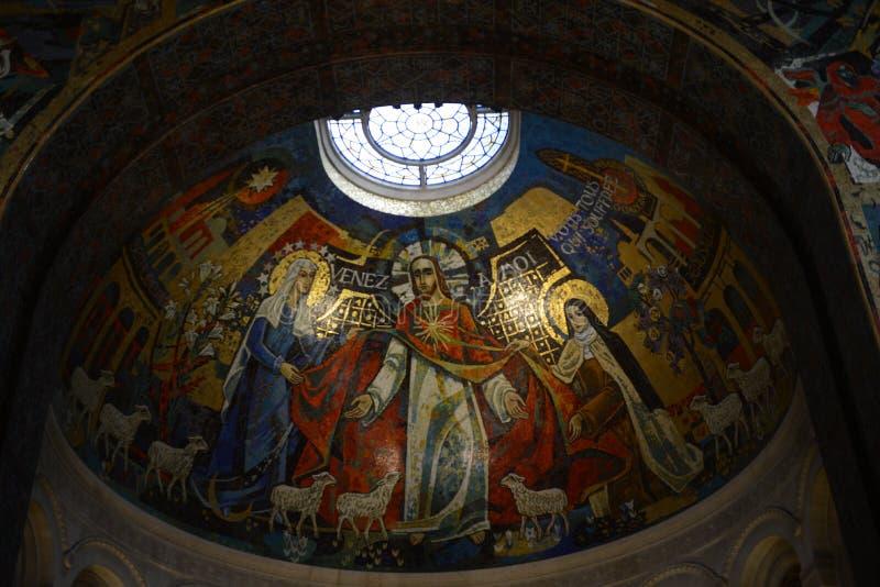 Basilique Sainte Thérèse àLisieux royaltyfri foto