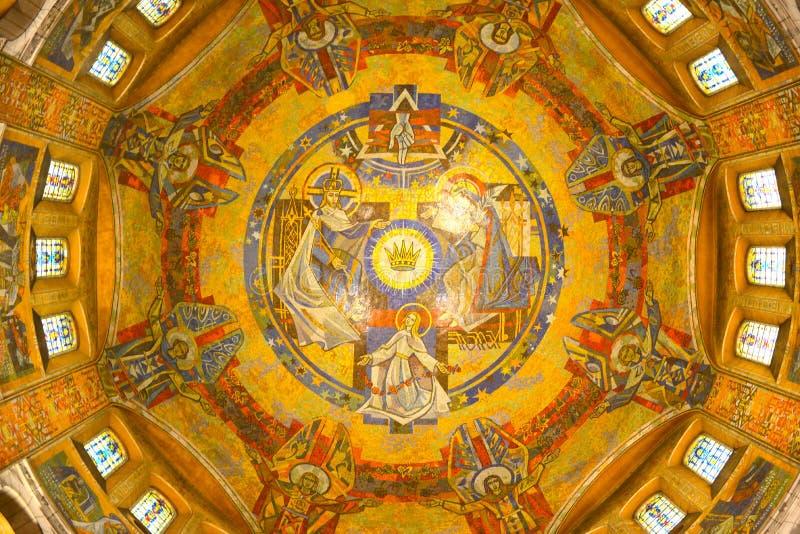 Basilique Sainte Thérèse àLisieux arkivfoton