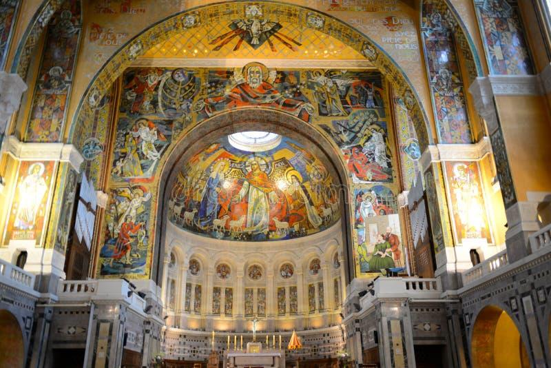 Basilique Sainte Thérèse àLisieux arkivfoto
