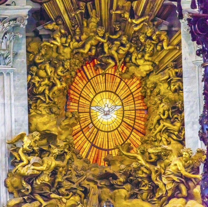 Basilique Vatican Rome Italie du ` s de St Peter de Saint-Esprit de Bernini de trône images stock