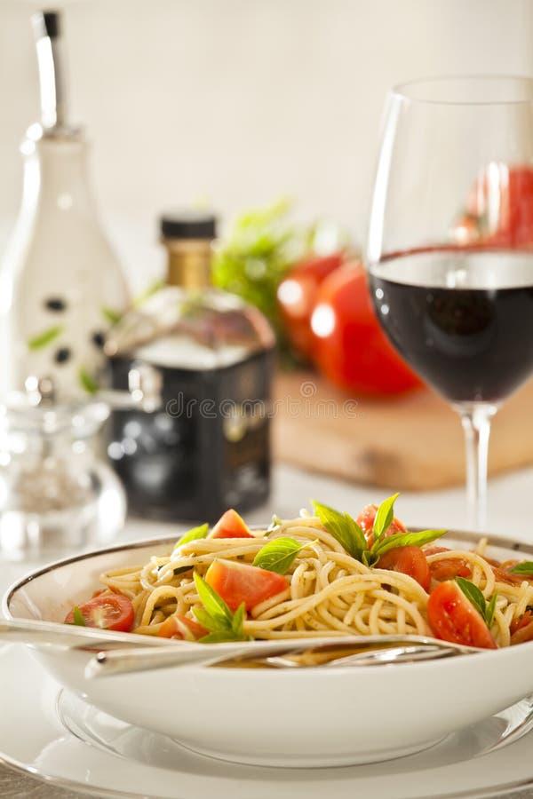 basilu obiadowy makaronu pomidor obraz stock