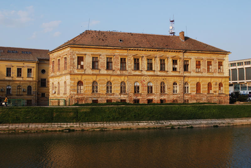 Basisschool Zrenjanin (Servië) stock afbeeldingen