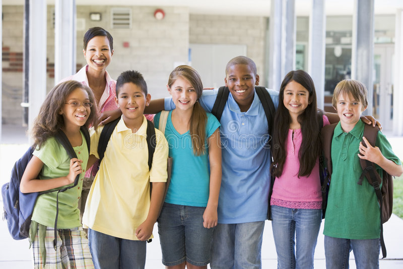 Basisschoolklasse met leraar royalty-vrije stock foto