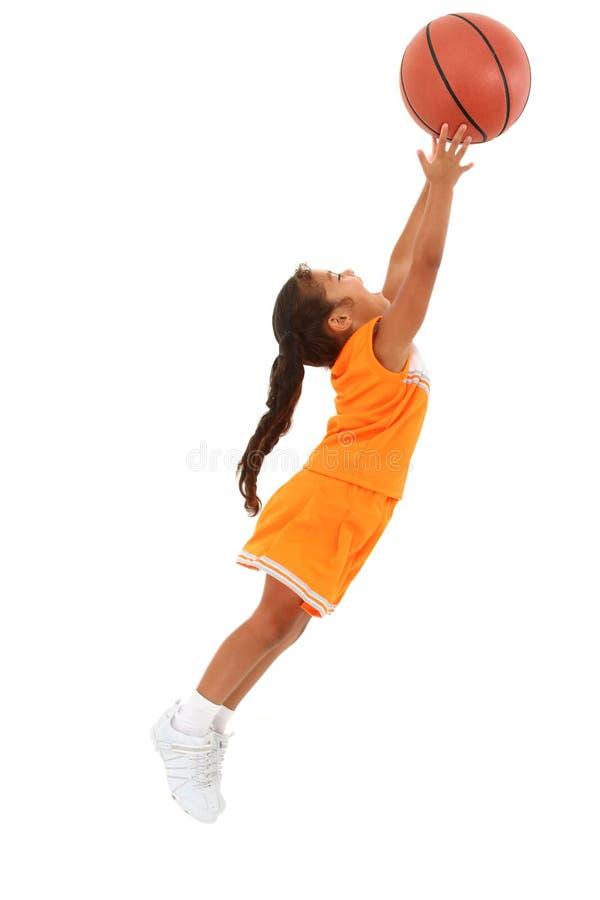 Basket-ball contagieux d'enfant de fille d'Africain-Hispanique images libres de droits