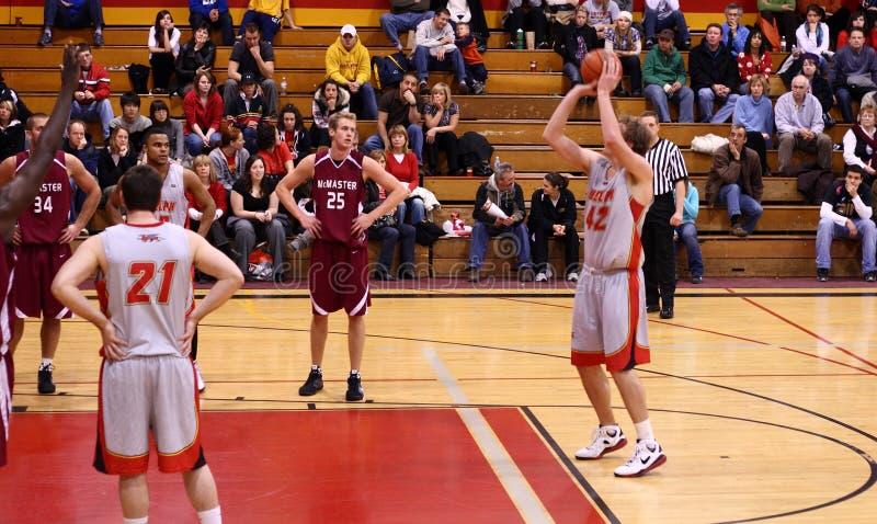 Basket-ball d'université images stock