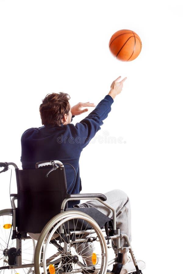 Basket-ball de lancement handicapé images stock