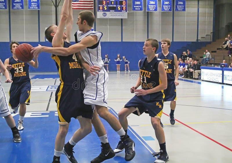 Basket-ball de lycée de fac images stock