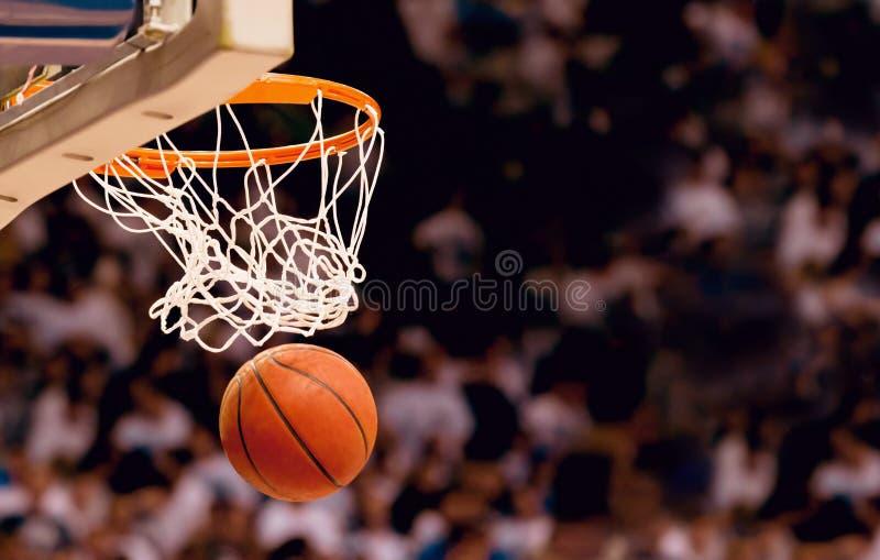 Basket som gör poäng punkter arkivbild