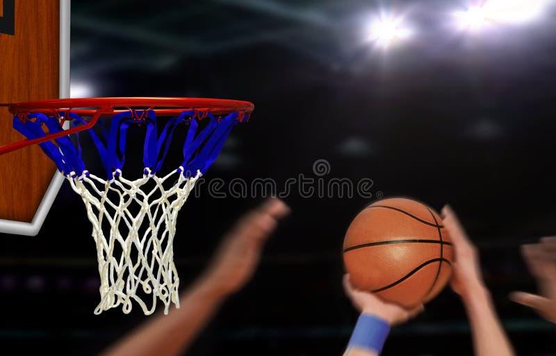 Basketbal aan de hoepel door speler wordt geschoten die stock afbeeldingen