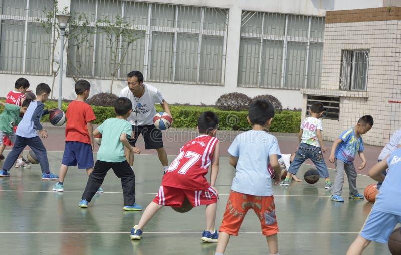 Basketbal opleiding royalty-vrije stock afbeelding