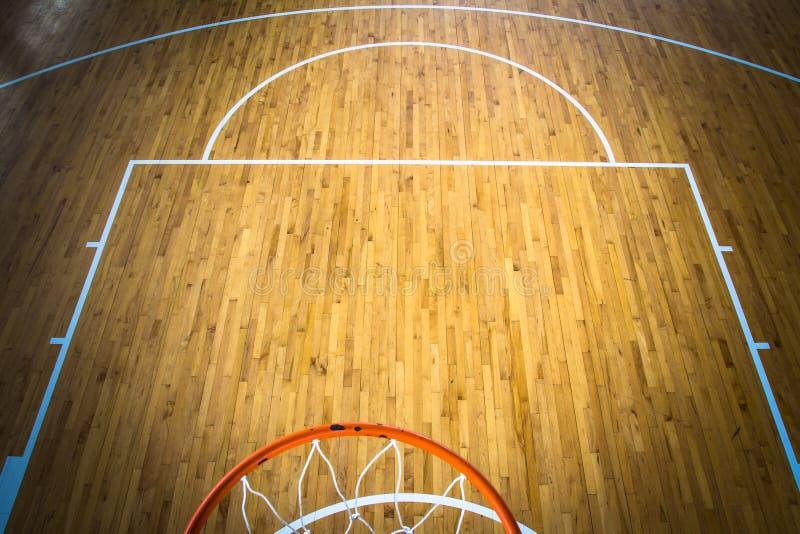 Basketbalhof binnen stock foto