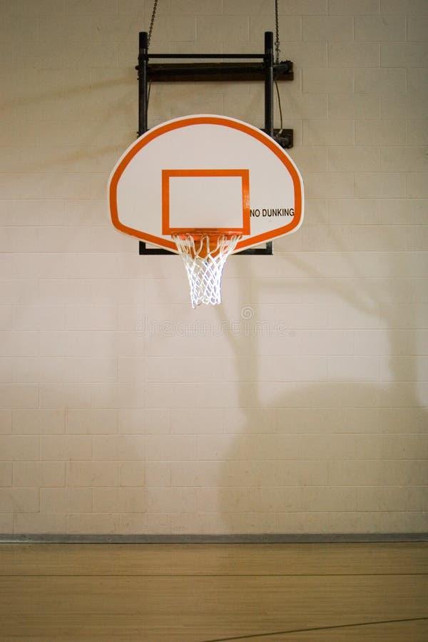 Basketball-Band und Gericht lizenzfreie stockbilder