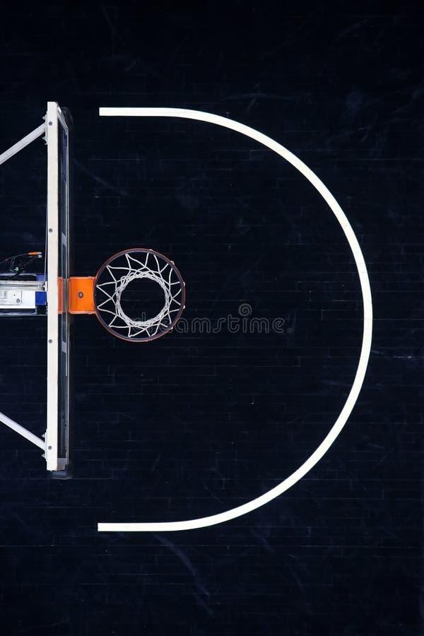 Basketbeslag på svart, domstol för bästa sikt arkivbild