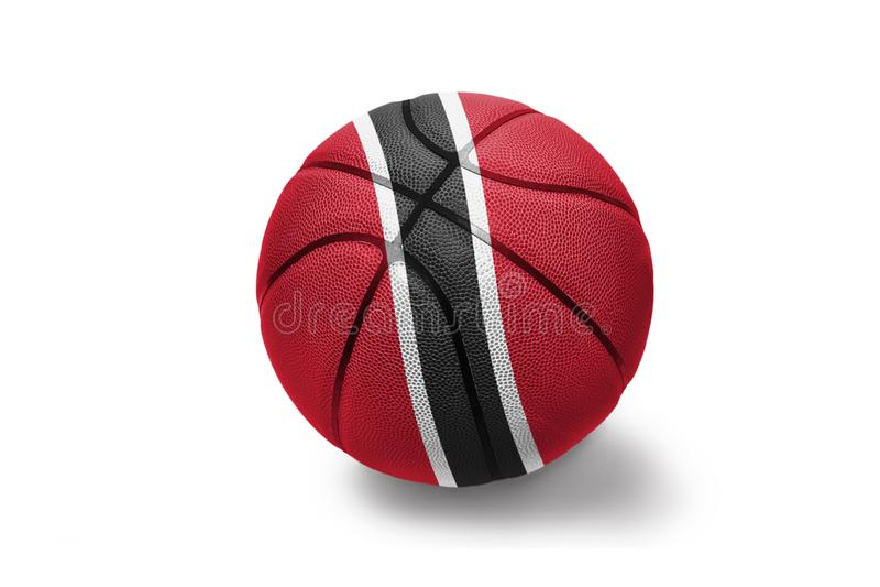 Basketboll med nationsflaggan av Trinidad och Tobago på den vita bakgrunden royaltyfri foto